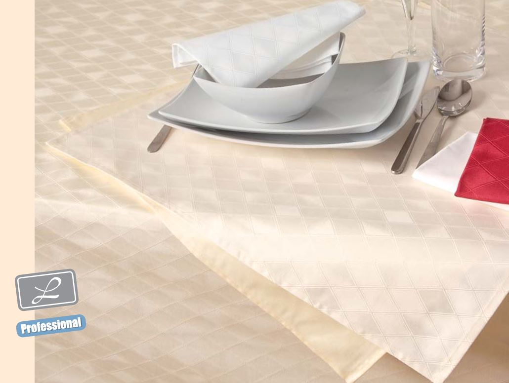 Ubrus bavlna Garbo kosočverec bílý průměr 120 cm